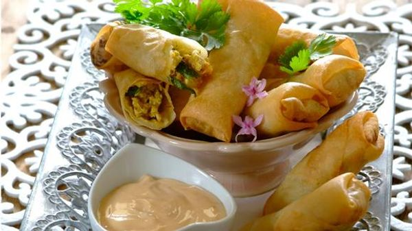 Thai chicken spring rolls with sweet chilli mayo