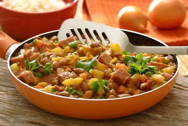 Spiced Bean and Potato Corned Beef Sishebo