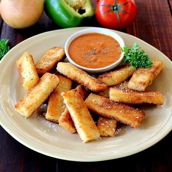 Cheesy Pap Fries with Chakalaka Dip