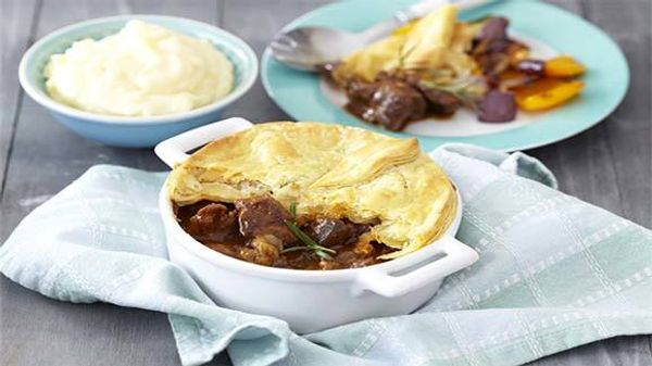 Easy Pepper Steak Pie