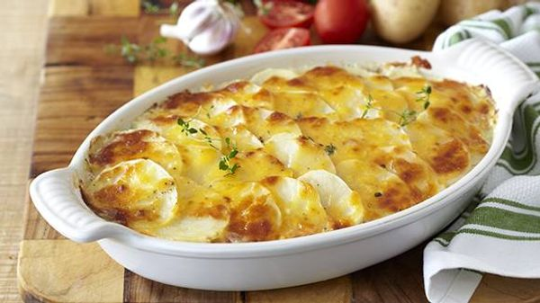 Cheesy Potato and Tuna Bake