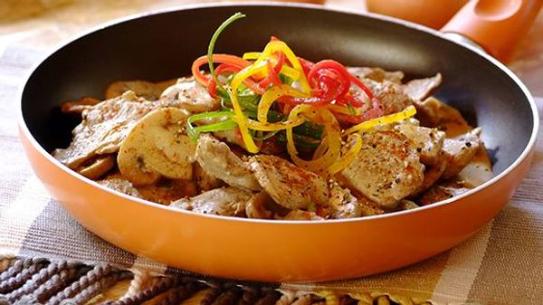 Sliced Pork Fillet with Mustard and  Mushrooms