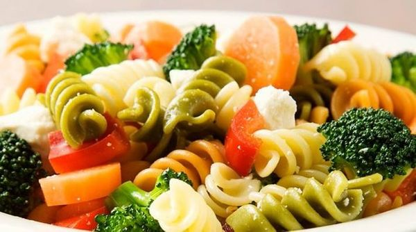 Mix de tirabuzones salteados con verduras
