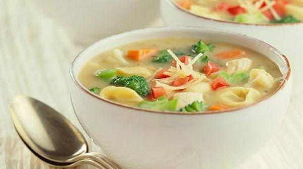 Sopa de pastas a la genovesa