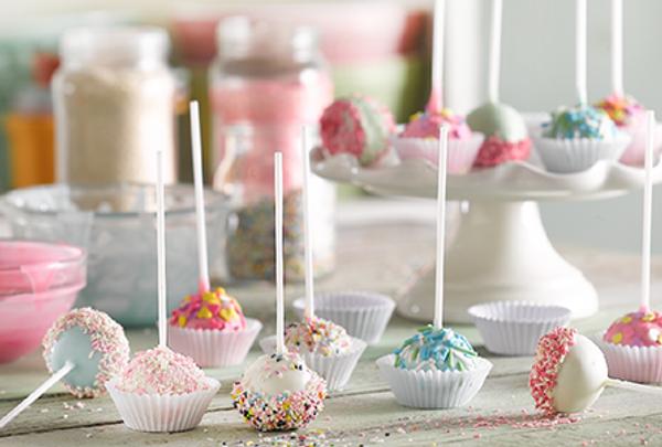 Cakepop o torta en forma de chupetín