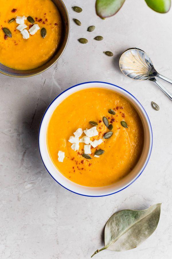Sopa de zanahoria, curry y mantequilla de maní