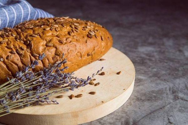 Paso a paso para un pan integral rico y fácil