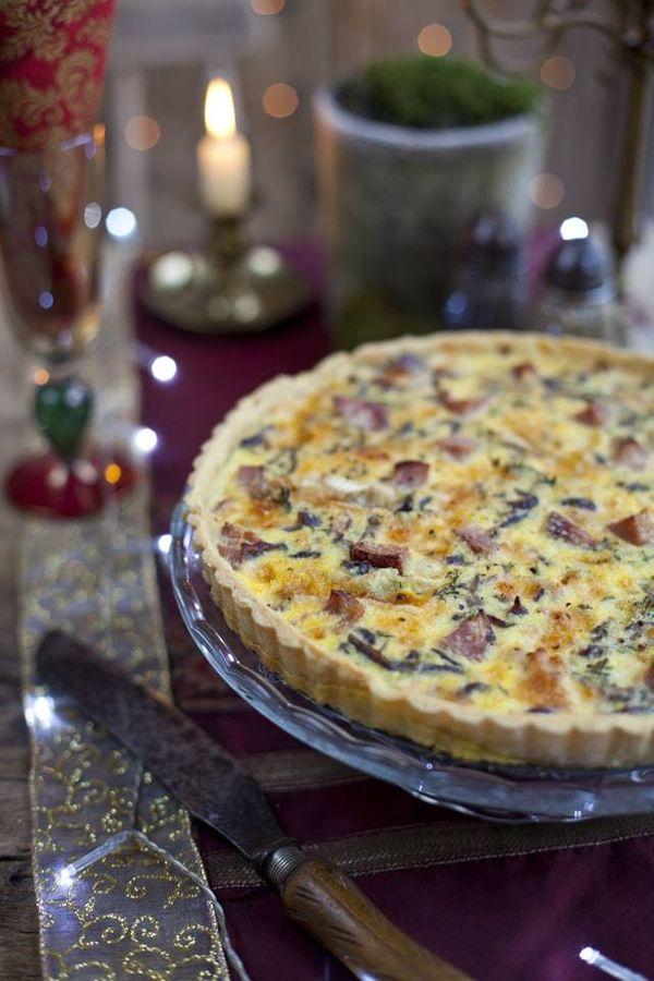 Tarta de cebolla, queso, jamón y queso crema