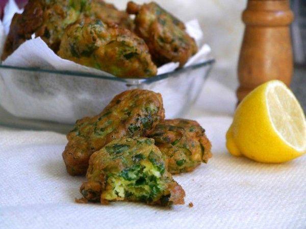 Buñuelos de espinaca con un toque de mostaza