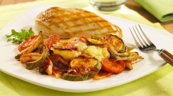 Vegetales gratinados al horno con ketchup