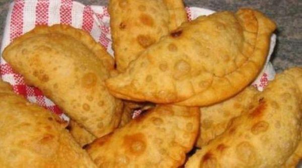 Empanaditas de queso y albahaca