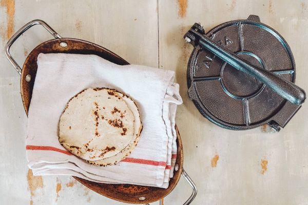 Masa de tacos simples y crocantes
