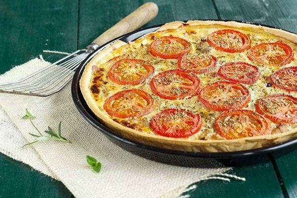 Tarta de atún y tomates