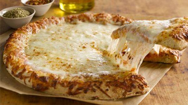 Pizza a la fugazzeta