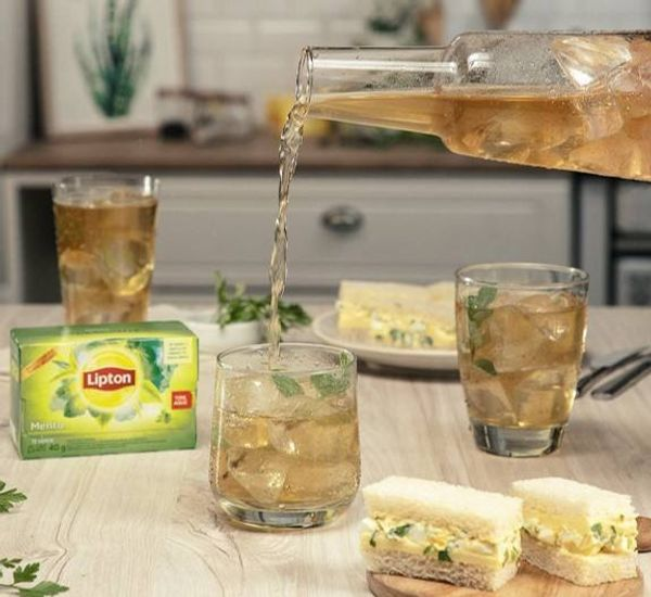 Batido detox con té verde, ananá y jengibre