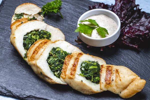 Deliciosas y fáciles supremas con salsa florentina