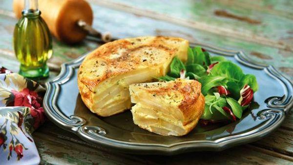 Tortilla de papas, verdeo y mostaza