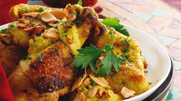 Pollo marroquí con almendras