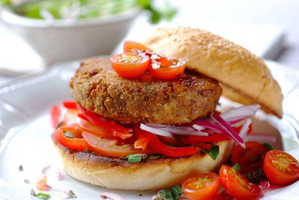 Exquisitas hamburguesas veggies de porotos negros