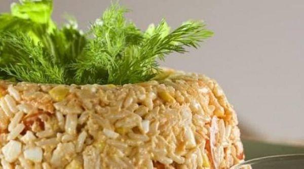 Ensalada o flan de arroz con pollo