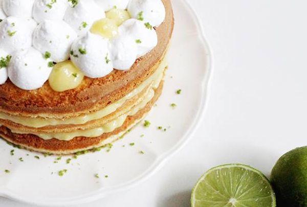 Torta de crema de lima y merengue