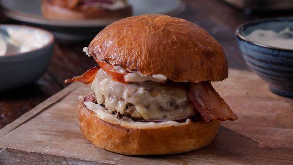 Hamburguesa de panceta y queso