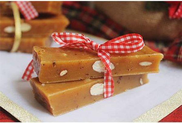 Turrón de caramelo y almendras