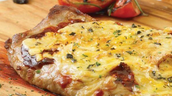 Matambre de cerdo a la pizza con ají picante