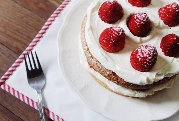 Torta genovesa con frutillas