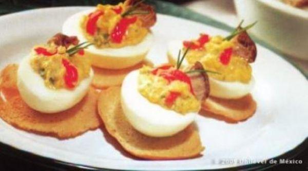 Huevos duros con hongos