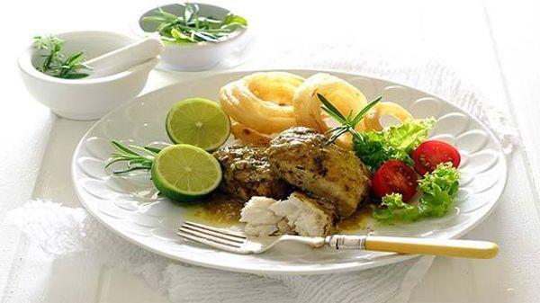 Pescado con verduras al romero