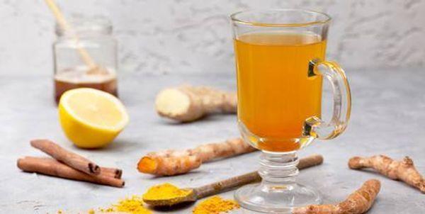 Té de manzanilla y cúrcuma