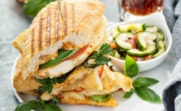 Sandwich Media Noche