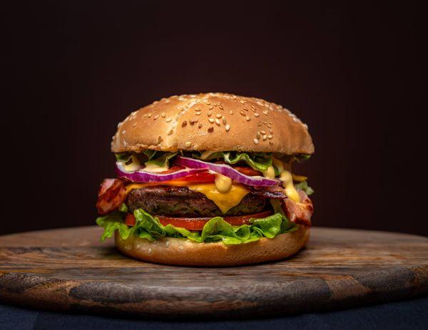 Mega Burger Mediterránea
