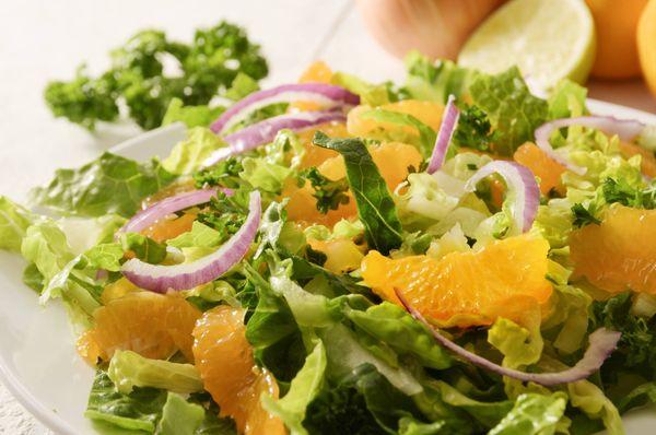 Ensalada de Mandarina y Cebolla Morada