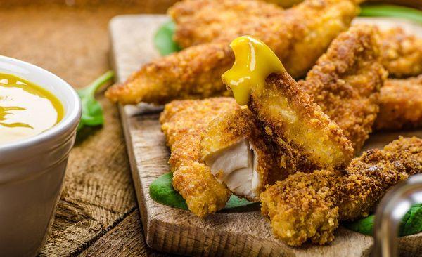 Crocantes de Pollo en Salsa de Pimiento