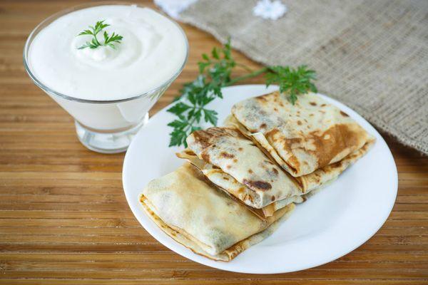 Crepas de Atún y Vegetales en Salsa Blanca