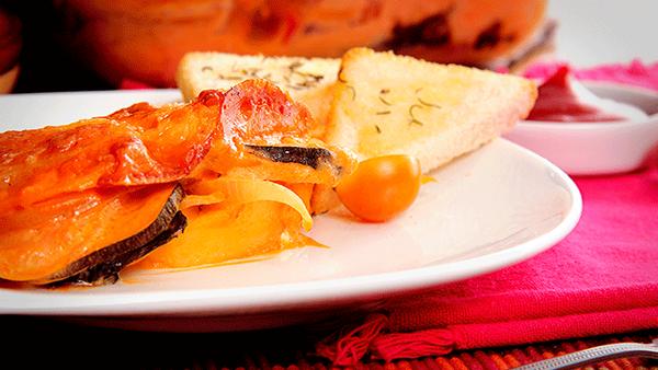 Lasagna de Papitas y Vegetales con Salsa de Tomate Fruco