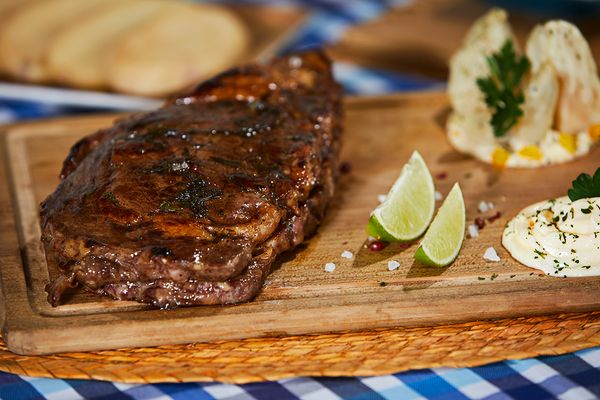 Ribeye a la Cerveza con Mayonesa Hot & Spicy