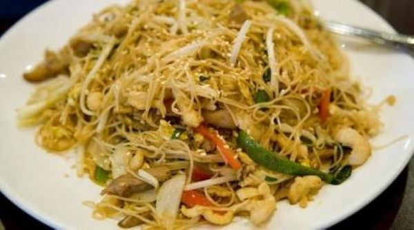 Chop suey de pollo mixto