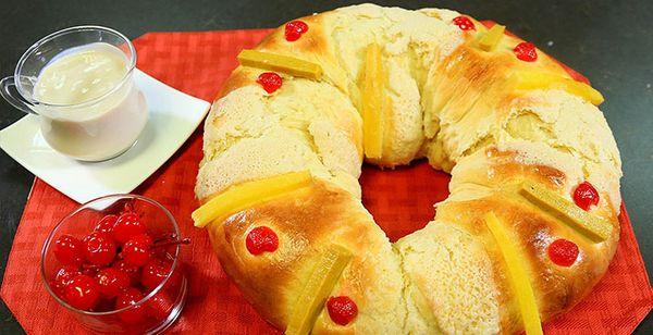 Atole de Nuez con Rosca de Reyes