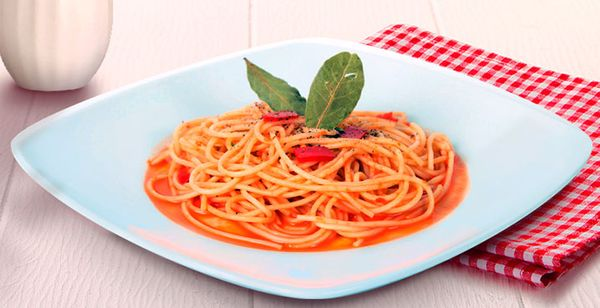 Espagueti en Salsa de Pimiento Rojo