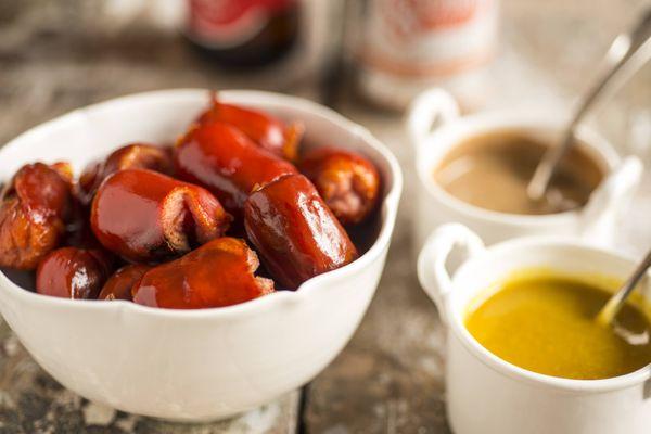 Salsichas com molho de mostarda