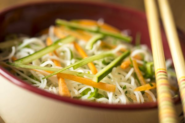 Salada de legumes com bifum