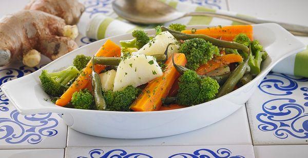 Legumes Cozidos no Vapor com Gengibre