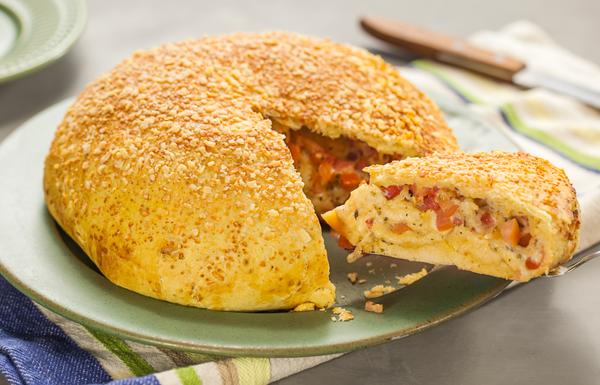 Pão Caseiro Recheado com Tomate e Muçarela