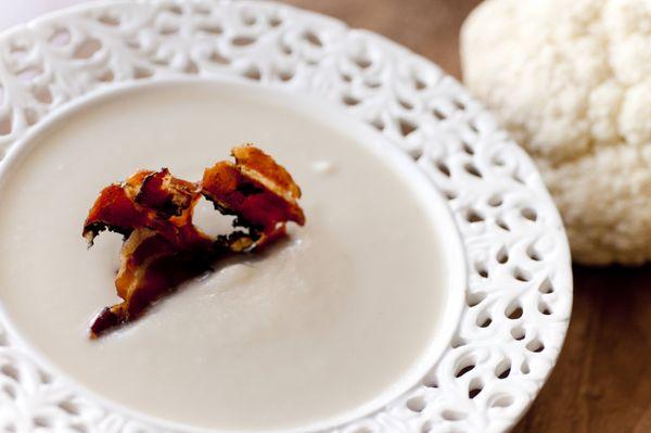 Creme de couve-flor com bacon crocante