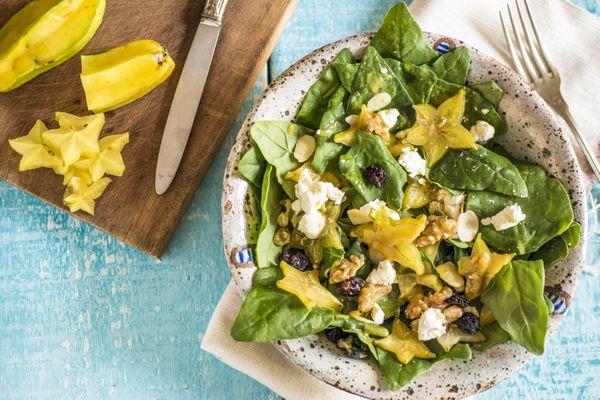 Salada de espinafre com carambola