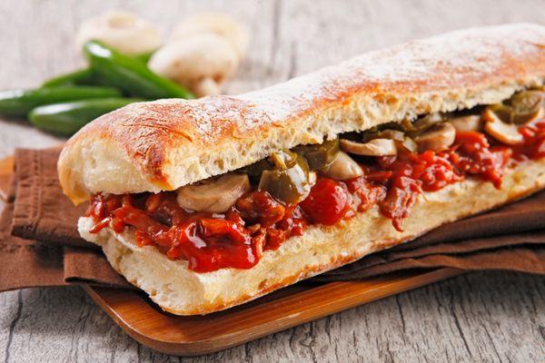Sanduíche de Costelinha com Molho Barbecue
