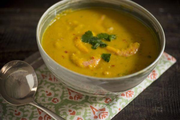 Sopa Thai de camarão